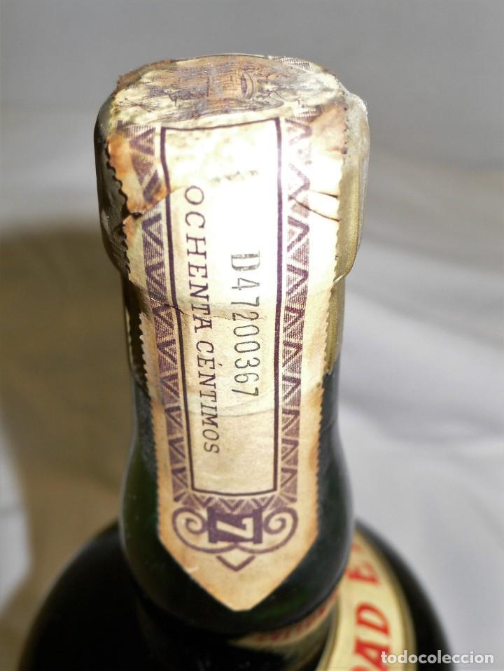 Coleccionismo de vinos y licores: ANTIGUA BOTELLA CREMA DE BRANDY F.E. VOLART - Foto 9 - 194221066