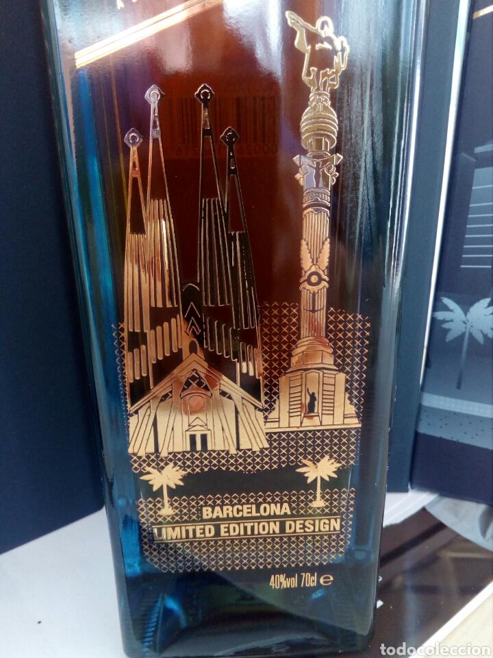 Coleccionismo de vinos y licores: BOTELLA WHISKY JOHNNIE WALKER, BLUE LABEL, EDICIÓN ESPECIAL BARCELONA. - Foto 4 - 194530542