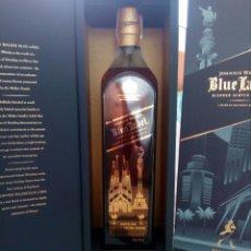 Coleccionismo de vinos y licores: BOTELLA WHISKY JOHNNIE WALKER, BLUE LABEL, EDICIÓN ESPECIAL BARCELONA.. Lote 194530542