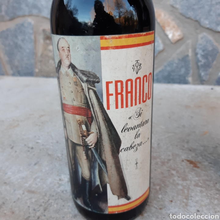 Coleccionismo de vinos y licores: Dos curiosas botellas de vino - Foto 3 - 194534033