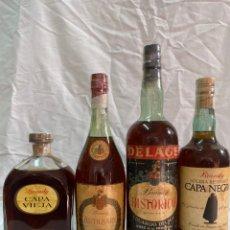 Coleccionismo de vinos y licores: X4 BRANDY CAPA VIEJA SANDEMAN · ANTIQUARY SOLERA ESPECIAL · DELAGE · CAPA NEGRA 0,75 LITROS/1 LITRO. Lote 194640336