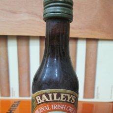 Coleccionismo de vinos y licores: ANTIGUO BOTELLIN, BEILEYS ORIGINAL. Lote 194877213