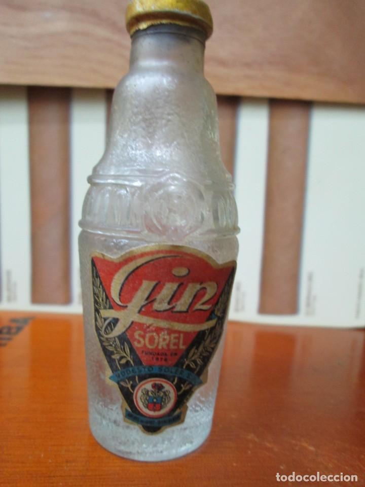 ANTIGUO BOTELLIN, GIN SOREL DE MODESTO SOREL (Coleccionismo - Botellas y Bebidas - Vinos, Licores y Aguardientes)