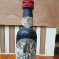 Coleccionismo de vinos y licores: ANTIGUO BOTELLIN, VINO ANTONIO BANDEIRA SUPERIOR. Lote 194878933