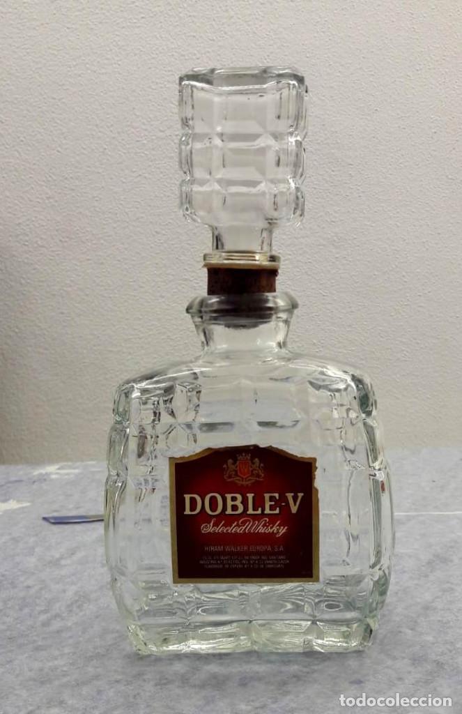 LICORERA DE CRISTAL WHISKY DOBLE-V. AÑOS 70 (Coleccionismo - Botellas y Bebidas - Vinos, Licores y Aguardientes)