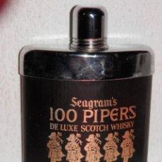 Coleccionismo de vinos y licores: PETACA DEL WHISKY 100 PIPERS. Lote 195040377