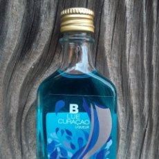 Coleccionismo de vinos y licores: BOTELLITA BLUE CURAÇAO CAMPENY. Lote 195047191