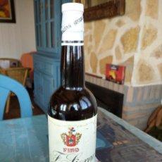 Coleccionismo de vinos y licores: ANTIGUA BOTELLA DE FINO F.SIERRA SIN ABRIR EN PERFECTO ESTADO. Lote 195130030