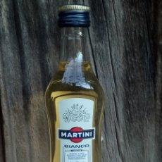 Coleccionismo de vinos y licores: BOTELLITA MARTINI BIANCO ITALIA. Lote 195341462