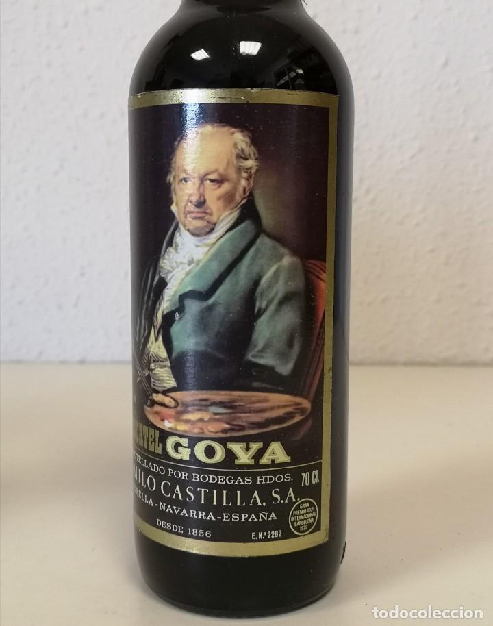 Coleccionismo de vinos y licores: Botella MOSCATEL GOYA - Foto 3 - 195354697