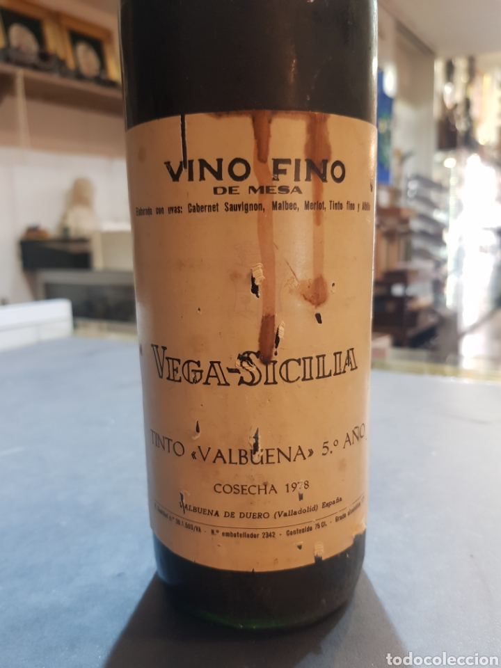 Coleccionismo de vinos y licores: Botella Vega Sicilia tinto Valbuena 5º año cosecha 1978 - Foto 2 - 195379301