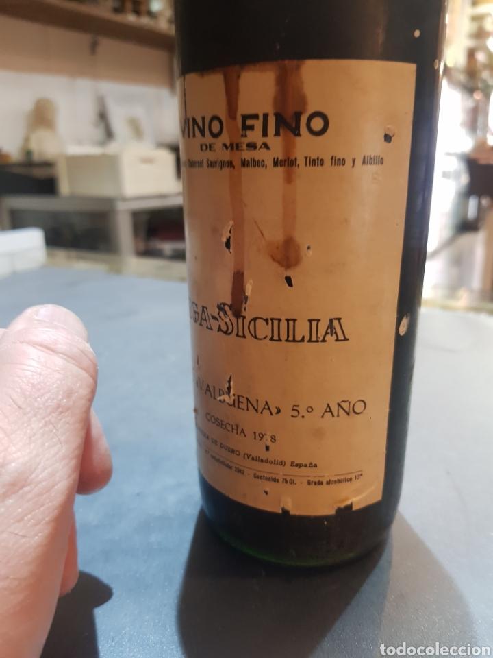 Coleccionismo de vinos y licores: Botella Vega Sicilia tinto Valbuena 5º año cosecha 1978 - Foto 3 - 195379301