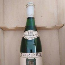 Coleccionismo de vinos y licores: TORRES VIÑA SOL SECO 1983. Lote 195531746