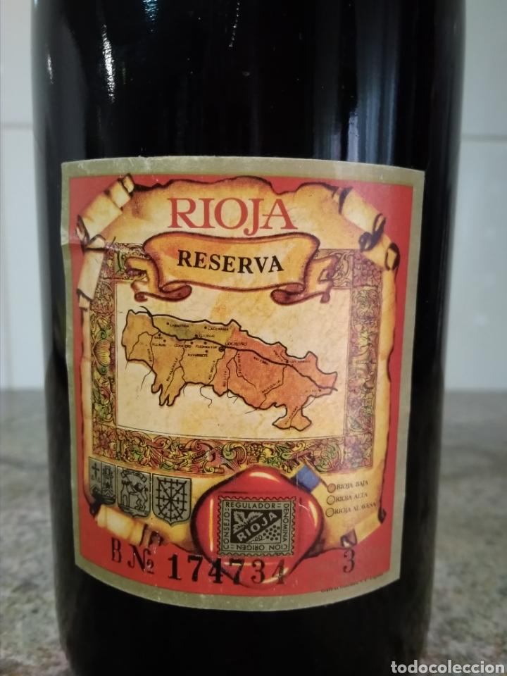 Coleccionismo de vinos y licores: Viña Ardanza Reserva 1973. Bodegas La Rioja Alta. Haro. Botella de vino. - Foto 5 - 161322497