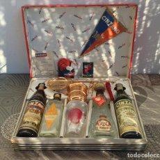 Coleccionismo de vinos y licores: CAJA REGALO CINZANO CIN CIN - CHIN CHIN - ESTA COMPLETA MIRAR FOTOS ADICIONALES - A?OS 60. Lote 202480046