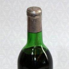 Coleccionismo de vinos y licores: ANTIGUA BOTELLA RIOJA IMPERIAL AÑO 1966. Lote 203201540