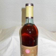 Coleccionismo de vinos y licores: ANTIGUA BOTELLA VINO CEPA BACH SECO. Lote 203250936
