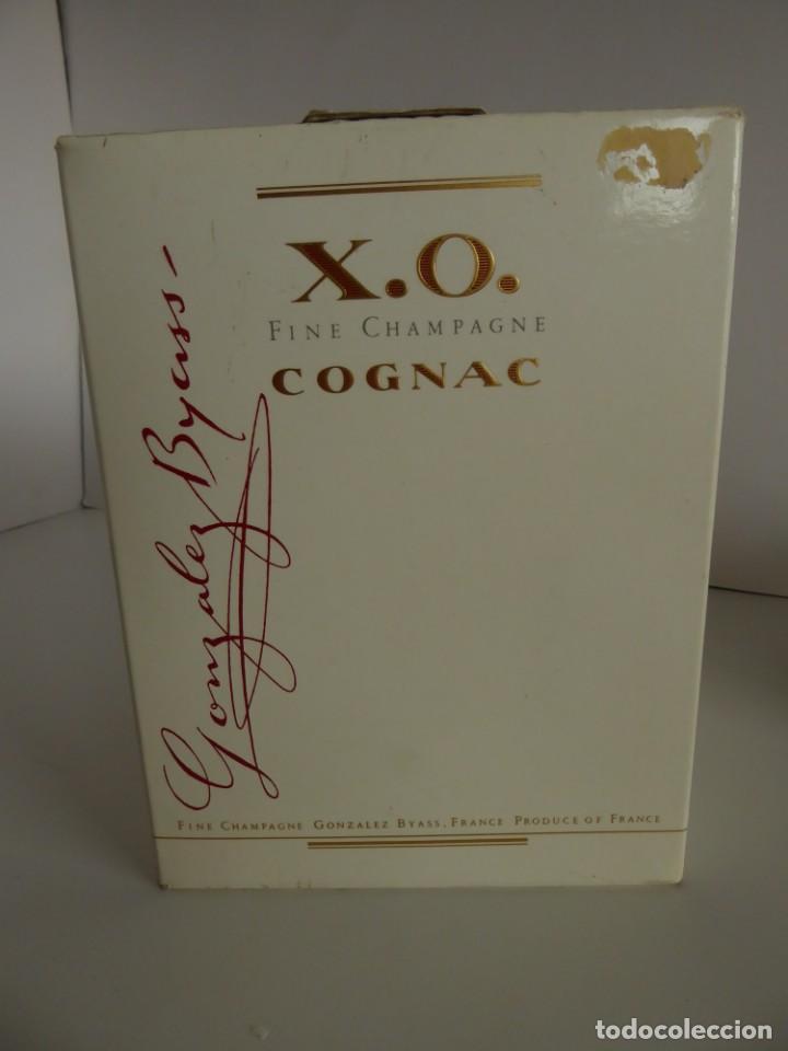 Coleccionismo de vinos y licores: ANTIGUA BOTELLA DE COGNAC X.O. DE GONZALEZ BYASS - Foto 9 - 48587108