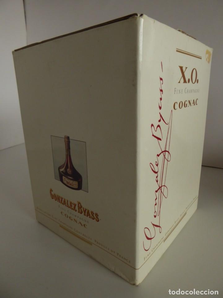 Coleccionismo de vinos y licores: ANTIGUA BOTELLA DE COGNAC X.O. DE GONZALEZ BYASS - Foto 10 - 48587108