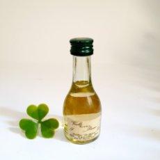 Coleccionismo de vinos y licores: BOTELLITA VICILLE PRUNE 9.1CM VIDRIO BOTELLIN MINI BOTELLA MINIATURA. Lote 206305218