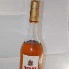 Coleccionismo de vinos y licores: BOTELLA VINTAGE BRANDY COÑAC COGNAC TERRY JUNIOR. Lote 207044012