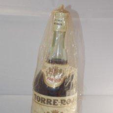 Coleccionismo de vinos y licores: BOTELLA VINTAGE BRANDY COÑAC COGNAC TORRE ROJA. Lote 207044211