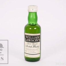 Coleccionismo de vinos y licores: BOTELLÍN LLENO - WHISKY WILLIAM LAWSON'S FINEST BLENDED SCOTCH WHISKY - ESCOCIA - AÑOS 70-80. Lote 207196945