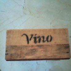 Coleccionismo de vinos y licores: PRECIOSA Y ANTIGUA CAJA DE MADERA VINO. Lote 207326587