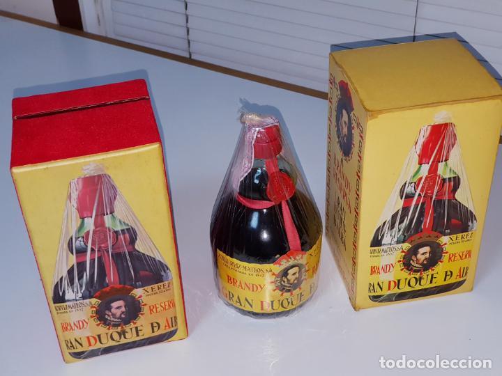BOTELLA-BRANDY-GRAN DUQUE DE ALBA-CAJAS-C.1970-PRECINTADA-COLECCIONISTAS-VER FOTOS (Coleccionismo - Botellas y Bebidas - Vinos, Licores y Aguardientes)