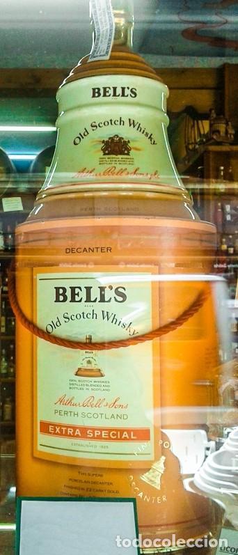 WHISKY BELL'S 12 AÑOS EN CAMPANA PORCELANA ( 0,75 LITROS - SCOTCH WHISKY ) (Coleccionismo - Botellas y Bebidas - Vinos, Licores y Aguardientes)