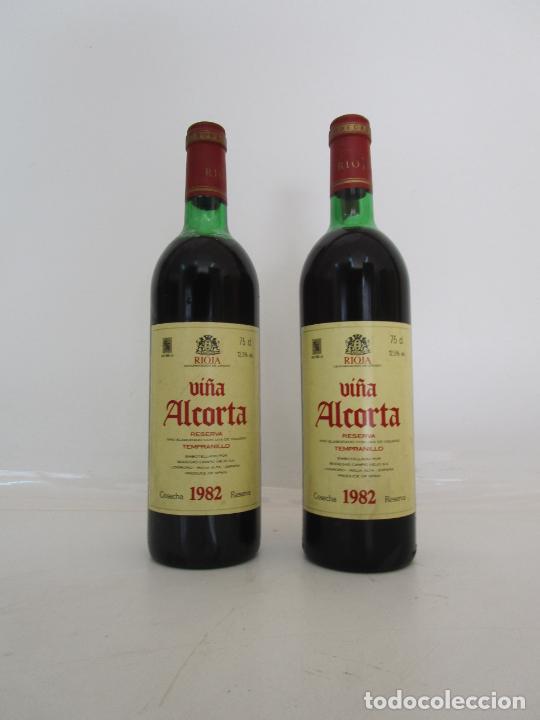 BOTELLAS VINO TINTO - VIÑA ALCORTA - BODEGAS CAMPO VIEJO - RIOJA ALTA - RESERVA, COSECHA 1982 (Coleccionismo - Botellas y Bebidas - Vinos, Licores y Aguardientes)