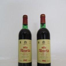 Coleccionismo de vinos y licores: BOTELLAS VINO TINTO - VIÑA ALCORTA - BODEGAS CAMPO VIEJO - RIOJA ALTA - RESERVA, COSECHA 1982. Lote 209746322