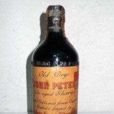 Coleccionismo de vinos y licores: ANTIGUA BOTELLA DE JEREZ OLD DRY JOHN PETER.PALOMINO & VERGARA.JEREZ. Lote 217268255