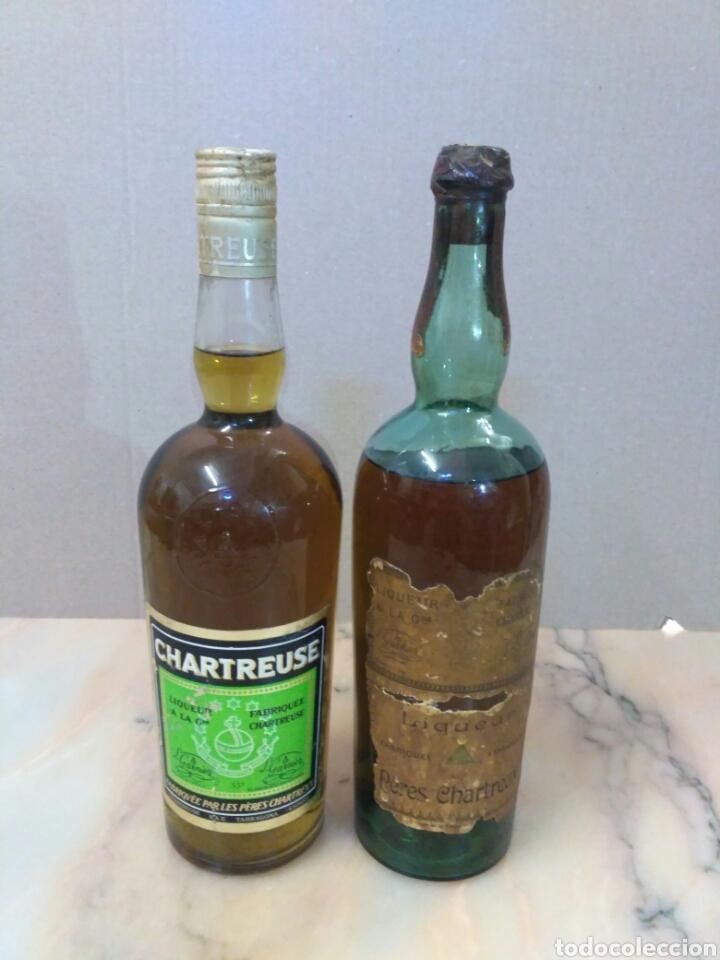 LOTE 2 BOTELLAS CHARTREUSE SERIGRAFIADA (Coleccionismo - Botellas y Bebidas - Vinos, Licores y Aguardientes)