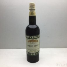 Coleccionismo de vinos y licores: ANTIGUA BOTELLA MACKENZIE'S - JEREZ SECO SHERRY- JEREZ DE LA FRONTERA. Lote 217632467
