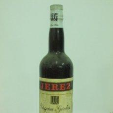 Coleccionismo de vinos y licores: ANTIGUA BOTELLA DE JEREZ OLOROSO VERGARA Y GORDON. Lote 217735908