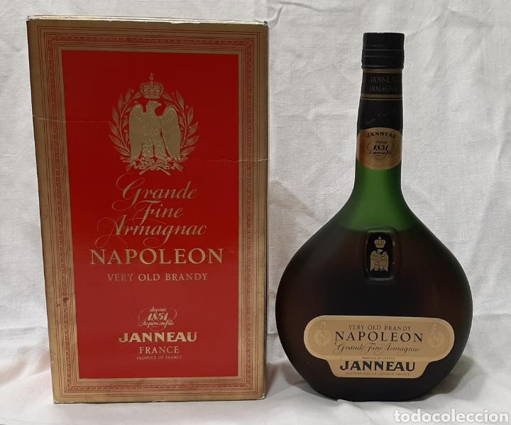 ANTIGUA BOTELLA VERY OLD BRANDY NAPOLEON GRANDE FINE ARMAGNAC (Coleccionismo - Botellas y Bebidas - Vinos, Licores y Aguardientes)