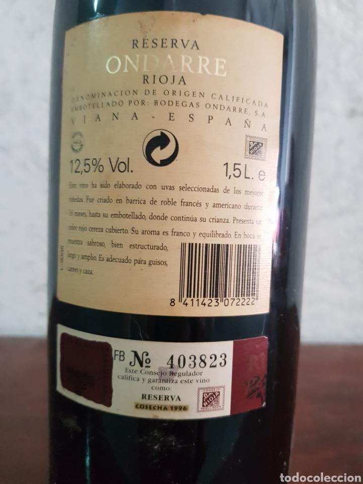 Coleccionismo de vinos y licores: Botella de vino Ondarre 1996 - Foto 2 - 218721905