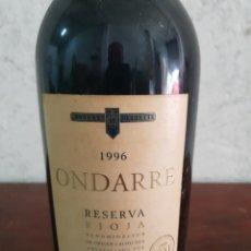 Coleccionismo de vinos y licores: BOTELLA DE VINO ONDARRE 1996. Lote 218721905