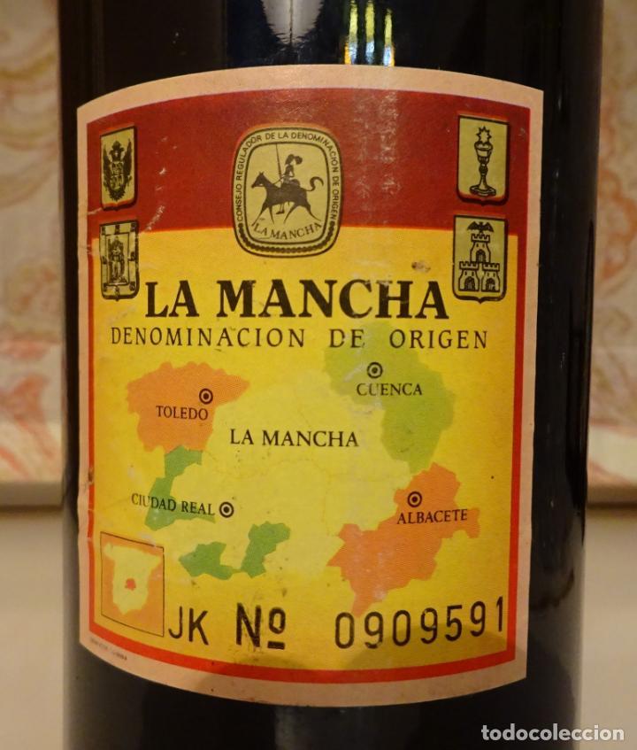 Coleccionismo de vinos y licores: INDURAIN, EL MEJOR. BOTELLA VINO TINTO BODEGAS CRISVE. DENOMINACIÓN DE ORIGEN LA MANCHA - Foto 3 - 218764287
