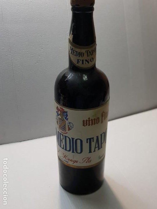 BOTELLA VINO FINO MEDIO TAPON ALICANTE NUNCA VISTA VACIA (Coleccionismo - Botellas y Bebidas - Vinos, Licores y Aguardientes)