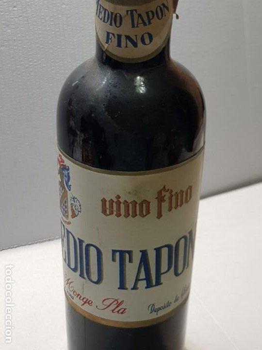 Coleccionismo de vinos y licores: Botella Vino Fino Medio Tapon Alicante nunca vista Vacia - Foto 2 - 219126178