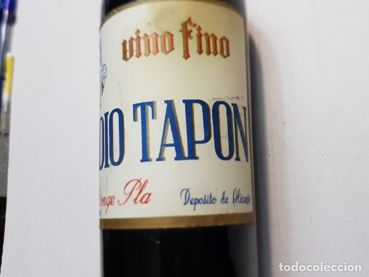 Coleccionismo de vinos y licores: Botella Vino Fino Medio Tapon Alicante nunca vista Vacia - Foto 5 - 219126178