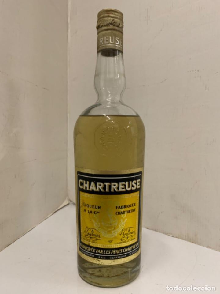 ANTIGUA BOTELLA DE CHARTREUSE, TARRAGONA. 30CMS ALTURA (Coleccionismo - Botellas y Bebidas - Vinos, Licores y Aguardientes)