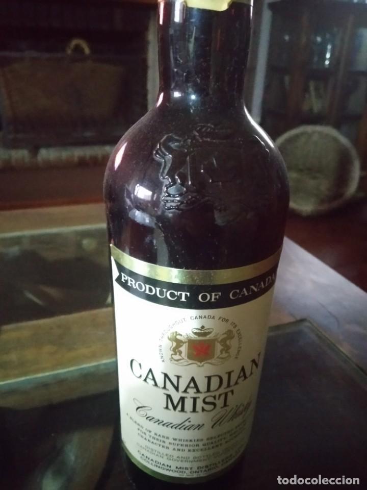 ANTIGUA BOTELLA DE WHISKY CANADIAN MIST, REF. SOT 16 (Coleccionismo - Botellas y Bebidas - Vinos, Licores y Aguardientes)