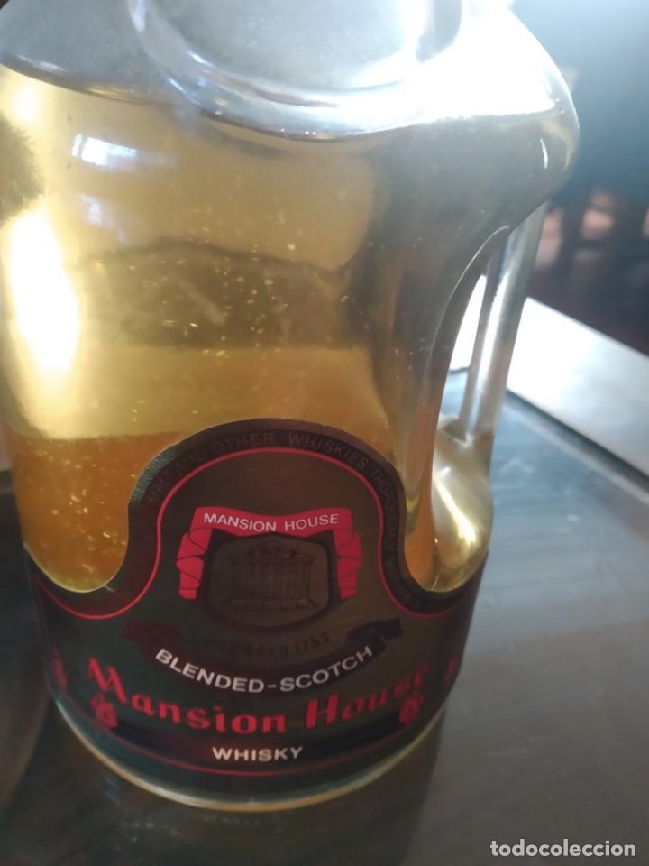 ANTIGUA BOTELLA DE WHISKY MANSION HOUSE BLENDED SCOTCH WHISKY REF SOT 29 (Coleccionismo - Botellas y Bebidas - Vinos, Licores y Aguardientes)