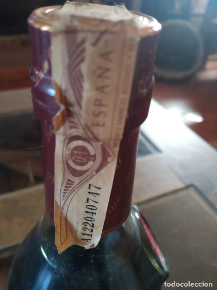 Coleccionismo de vinos y licores: ANTIGUA BOTELLA CARDENAL MENDOZA , BRANDY DE JEREZ , SOLERA GRAN RESERVA ,050 L. SOT 52 - Foto 3 - 220823613