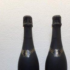 Coleccionismo de vinos y licores: 2 BOTELLAS CAVA FREIXENET CORDON NEGRO BRUT. Lote 221415483