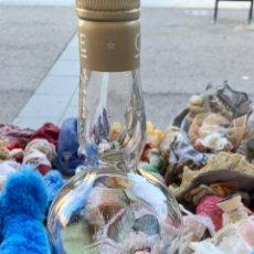 Coleccionismo de vinos y licores: BOTELLA CHARTREUSE CON PEQUEÑA CANTIDAD DE LICOR. Lote 221440568