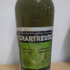 Coleccionismo de vinos y licores: BOTELLA CHARTREUSE VERDE 55 ° TARRAGONA LLENÁ. Lote 222044177